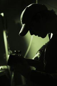 playing_guitar_2