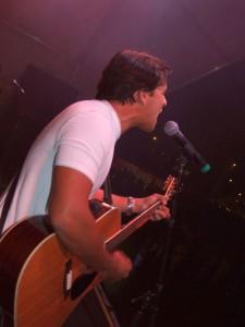 singer w guitar